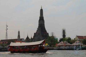 an express boat near Wat Arun